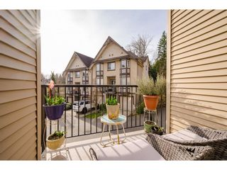 "Photo 10: 11 32501 FRASER Crescent in Mission: Mission BC Townhouse for sale in ""Fraser Landing"" : MLS®# R2563591"