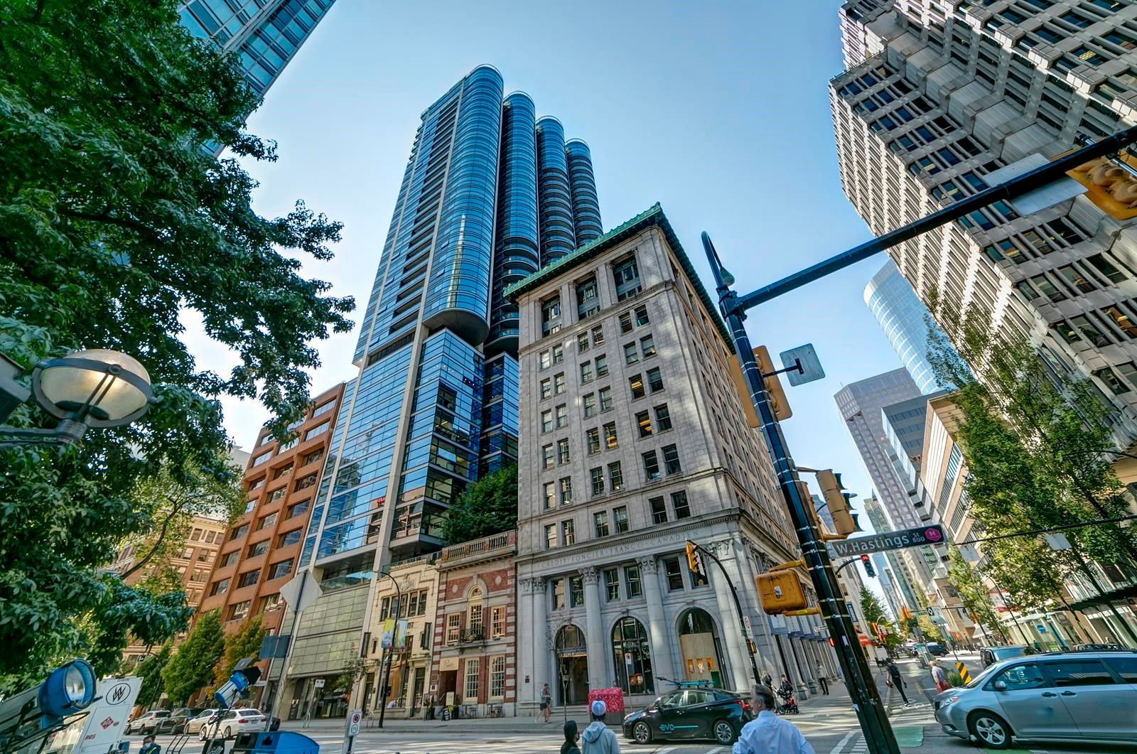 """Main Photo: 2302 838 W HASTINGS Street in Vancouver: Downtown VW Condo for sale in """"Jameson House by Bosa"""" (Vancouver West)  : MLS®# R2614981"""