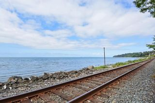 "Photo 15: 206 14881 MARINE Drive: White Rock Condo for sale in ""Driftwood Arms"" (South Surrey White Rock)  : MLS®# R2381349"