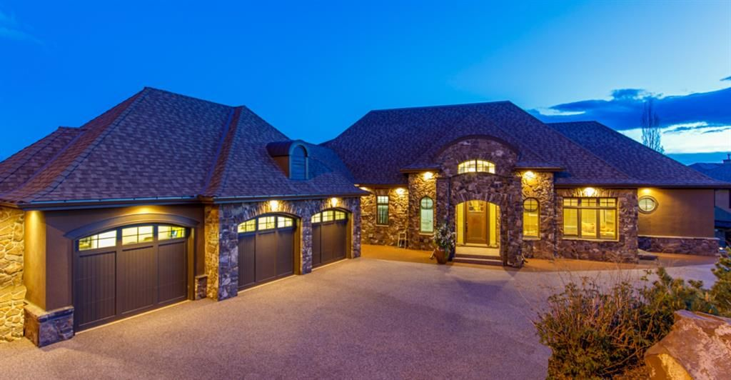 Main Photo: 7 Spring Valley Way SW in Calgary: Springbank Hill Detached for sale : MLS®# A1115238