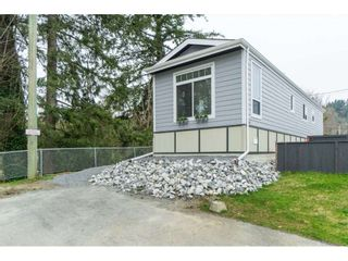 """Photo 2: 94 9950 WILSON Road in Mission: Stave Falls Manufactured Home for sale in """"Ruskin Park"""" : MLS®# R2480233"""