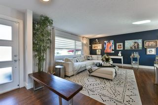 Photo 2: 6128 Lloyd Crescent SW in Calgary: Lakeview Detached for sale : MLS®# A1151128
