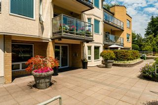 """Photo 39: 301 15255 18 Avenue in Surrey: King George Corridor Condo for sale in """"The Courtyard"""" (South Surrey White Rock)  : MLS®# R2599838"""