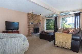 Photo 4: 653 FORESTHILL Place in Port Moody: North Shore Pt Moody House for sale : MLS®# R2053340