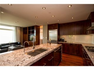 """Photo 2: # 103 2575 GARDEN CT in West Vancouver: Whitby Estates Townhouse for sale in """"AERIE 11"""" : MLS®# V1011354"""