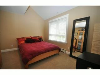 Photo 7: 4 227 E 11TH Street in North Vancouver: Central Lonsdale Townhouse for sale : MLS®# V1001342