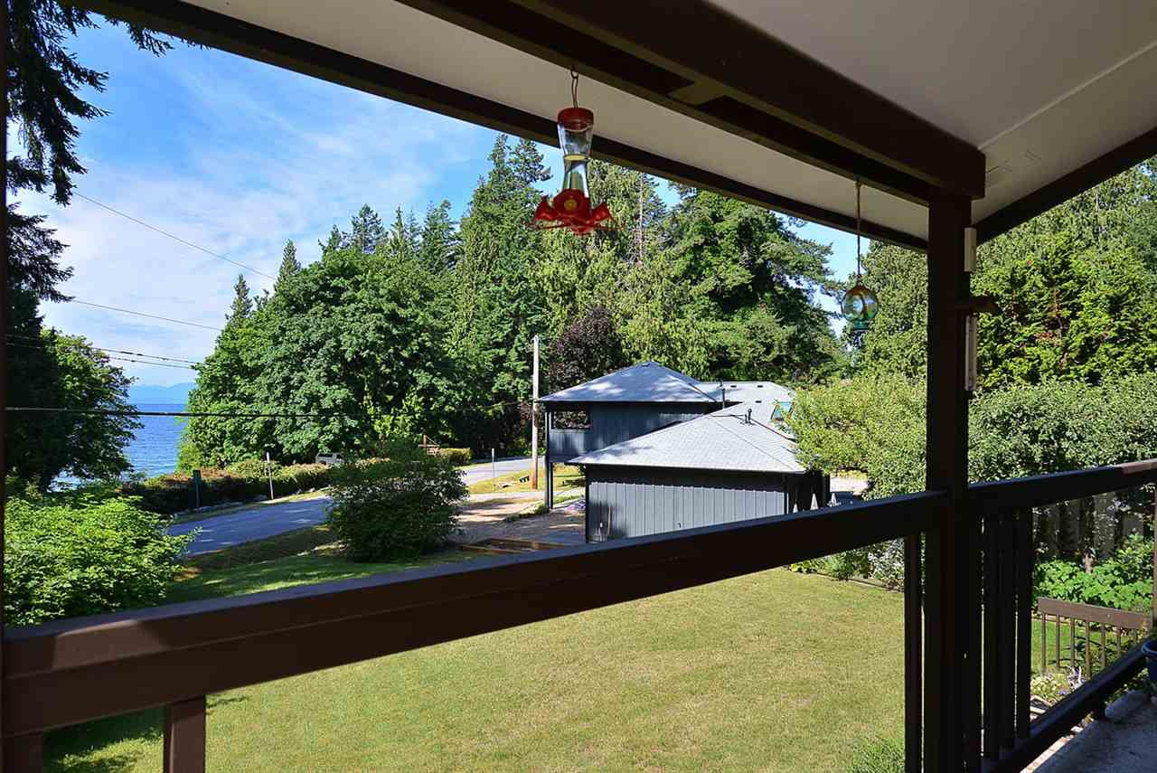 Photo 8: Photos: 3546 BEACH Avenue: Roberts Creek House for sale (Sunshine Coast)  : MLS®# R2183569