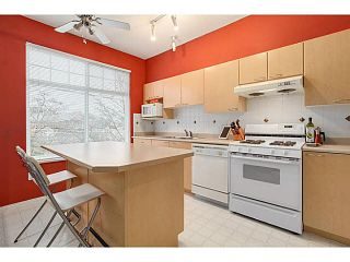 "Photo 4: 10 3711 ROBSON CRT Court in Richmond: Terra Nova Townhouse for sale in ""TENNYSON GARDENS"" : MLS®# V1098875"