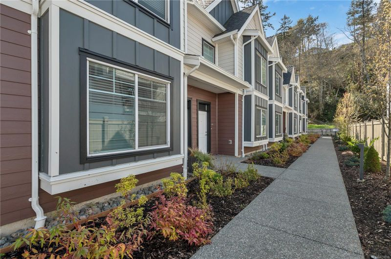 FEATURED LISTING: 2 - 796 Island Hwy South