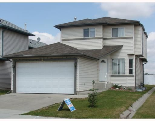 Main Photo: 135 APPLEGLEN Park SE in CALGARY: Applewood Residential Detached Single Family for sale (Calgary)  : MLS®# C3386324