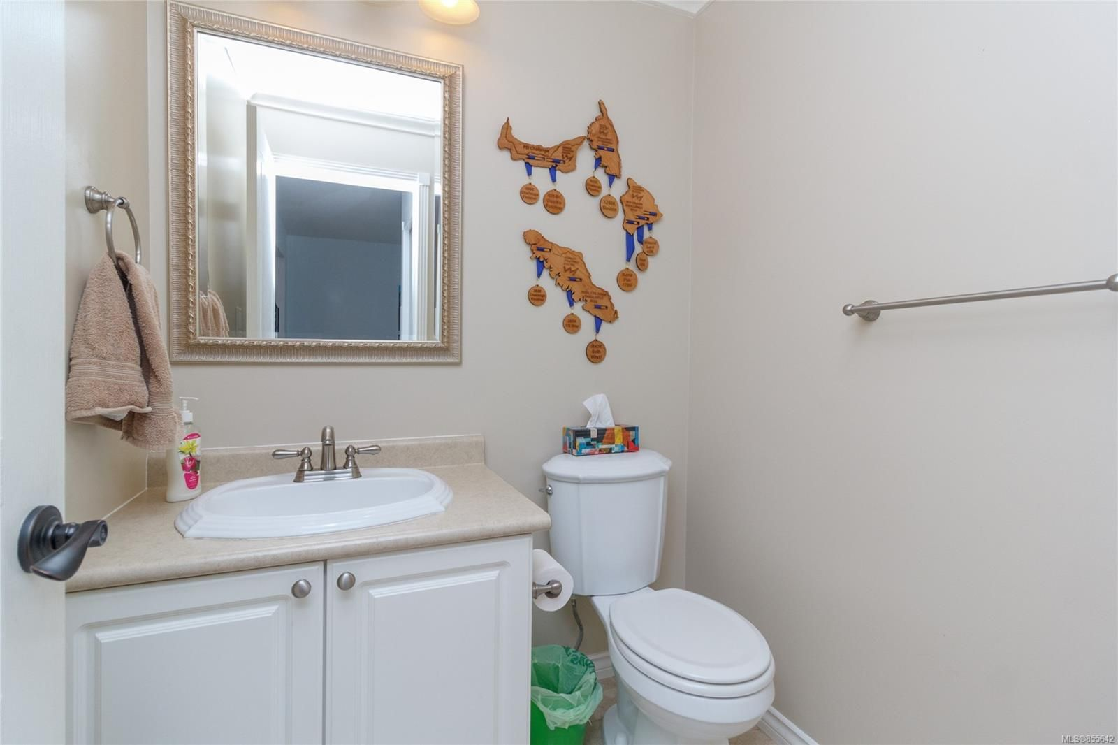 Photo 17: Photos: 52 14 Erskine Lane in : VR Hospital Row/Townhouse for sale (View Royal)  : MLS®# 855642