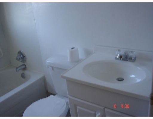 Photo 9: Photos:  in CALGARY: Forest Lawn Residential Detached Single Family for sale (Calgary)  : MLS®# C3289172