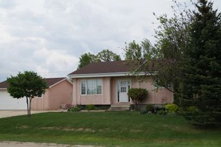 Photo 1: 16 Willow Avenue East: Oakbank Single Family Detached for sale (RM Springfield)  : MLS®# 1309429