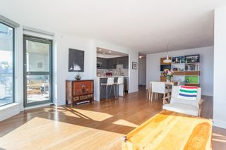 """Photo 7: 801 1088 QUEBEC Street in Vancouver: Mount Pleasant VE Condo for sale in """"The Viceroy"""" (Vancouver East)  : MLS®# R2206969"""