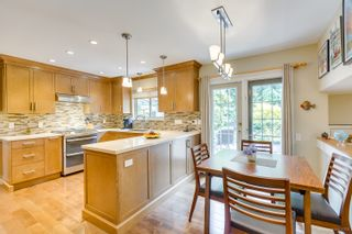 """Photo 16: 3655 LYNNDALE Crescent in Burnaby: Government Road House for sale in """"Government Road Area"""" (Burnaby North)  : MLS®# R2388114"""
