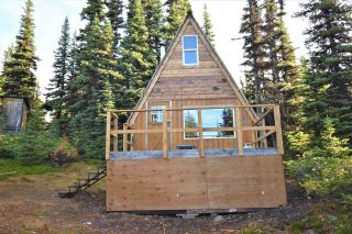 """Photo 1: 277 PRAIRIE Road in Smithers: Smithers - Rural House for sale in """"Prairie Cabin Colony"""" (Smithers And Area (Zone 54))  : MLS®# R2492758"""