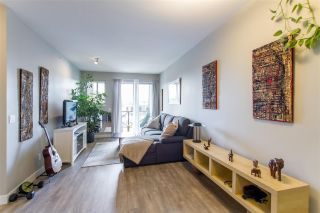Photo 3: 413 2336 WHYTE Avenue in Port Coquitlam: Central Pt Coquitlam Condo for sale : MLS®# R2561864