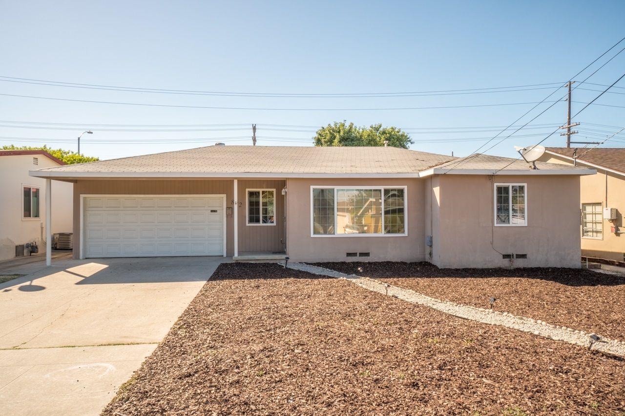 Main Photo: EL CAJON House for sale : 2 bedrooms : 822 Lauree St