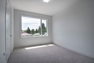 Photo 27: 2409 52 Avenue SW in Calgary: North Glenmore Park Semi Detached for sale : MLS®# A1123926