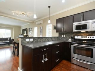 Photo 9: 1284 Parkdale Creek Gdns in VICTORIA: La Westhills House for sale (Langford)  : MLS®# 795585