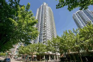 """Photo 1: 2903 928 BEATTY Street in Vancouver: Yaletown Condo for sale in """"MAX 1"""" (Vancouver West)  : MLS®# R2294406"""