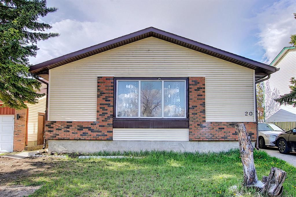 Main Photo: 20 Whitefield Close NE in Calgary: Whitehorn Detached for sale : MLS®# A1101190