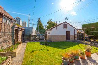 Photo 18: 7062 HALLIGAN Street in Burnaby: Highgate House for sale (Burnaby South)  : MLS®# R2249715