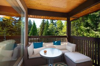 Photo 6: 275 MONTROYAL Boulevard in North Vancouver: Upper Delbrook House for sale : MLS®# R2603979