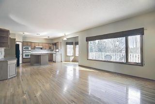 Photo 13: 112 Mt Alberta View SE in Calgary: McKenzie Lake Detached for sale : MLS®# A1082178