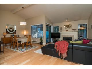 """Photo 3: 1 1820 SOUTHMERE Crescent in Surrey: Sunnyside Park Surrey Townhouse for sale in """"South Pointe on the Park"""" (South Surrey White Rock)  : MLS®# R2135020"""