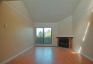 """Photo 3: 304 7297 MOFFATT Road in Richmond: Brighouse South Condo for sale in """"DORCHESTER CIRCLE"""" : MLS®# R2195127"""