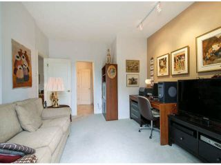 """Photo 17: 403 1765 MARTIN Drive in Surrey: Sunnyside Park Surrey Condo for sale in """"SOUTHWYND"""" (South Surrey White Rock)  : MLS®# F1415442"""