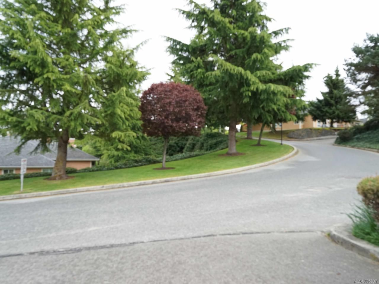 Photo 6: Photos: 2024 Mulligan Way in NANAIMO: Na Departure Bay Row/Townhouse for sale (Nanaimo)  : MLS®# 835897