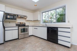 Photo 14: 3 10101 Fifth St in Sidney: Si Sidney North-East Row/Townhouse for sale : MLS®# 860151