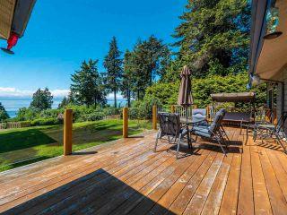 Photo 2: 7883 REDROOFFS ROAD in Halfmoon Bay: Halfmn Bay Secret Cv Redroofs House for sale (Sunshine Coast)  : MLS®# R2585172