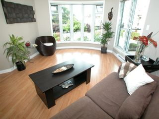 """Photo 8: 212 1236 W 8TH Avenue in Vancouver: Fairview VW Condo for sale in """"GALLERIA II."""" (Vancouver West)  : MLS®# V727588"""