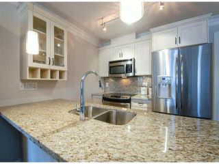 "Photo 4: PH1 15357 ROPER Avenue: White Rock Condo for sale in ""REGENCY COURT"" (South Surrey White Rock)  : MLS®# R2366070"