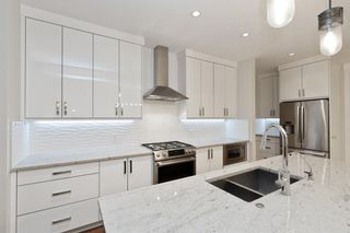 Photo 13: 32 West Grove Bay SW in Calgary: West Springs Detached for sale : MLS®# A1147560