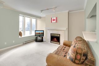"""Photo 2: 203 2825 ALDER Street in Vancouver: Fairview VW Condo for sale in """"BRETON MEWS"""" (Vancouver West)  : MLS®# R2248577"""