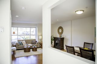 Photo 6: 14 3685 WOODLAND Drive in Port Coquitlam: Woodland Acres PQ Townhouse for sale : MLS®# R2159043