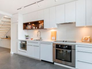 """Photo 17: 274 E 2ND Avenue in Vancouver: Mount Pleasant VE Townhouse for sale in """"JACOBSEN"""" (Vancouver East)  : MLS®# R2572730"""