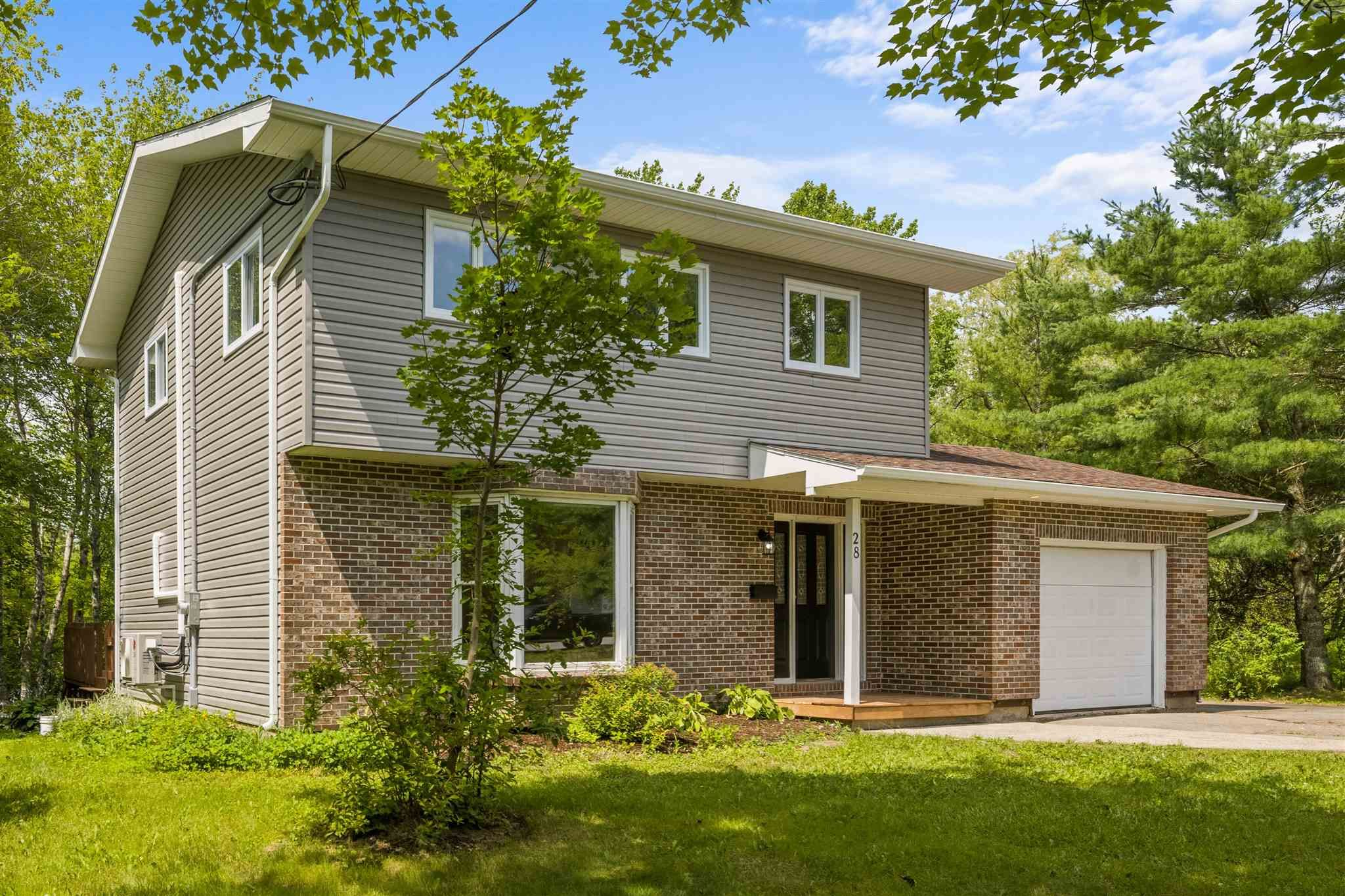 Main Photo: 28 Elmbel Road in Belnan: 105-East Hants/Colchester West Residential for sale (Halifax-Dartmouth)  : MLS®# 202118854