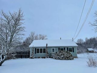 Photo 1: 271 Exhibition Street in North Kentville: 404-Kings County Residential for sale (Annapolis Valley)  : MLS®# 202101160