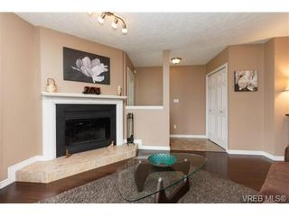 Photo 3: 1279 Lidgate Crt in VICTORIA: SW Strawberry Vale House for sale (Saanich West)  : MLS®# 704635