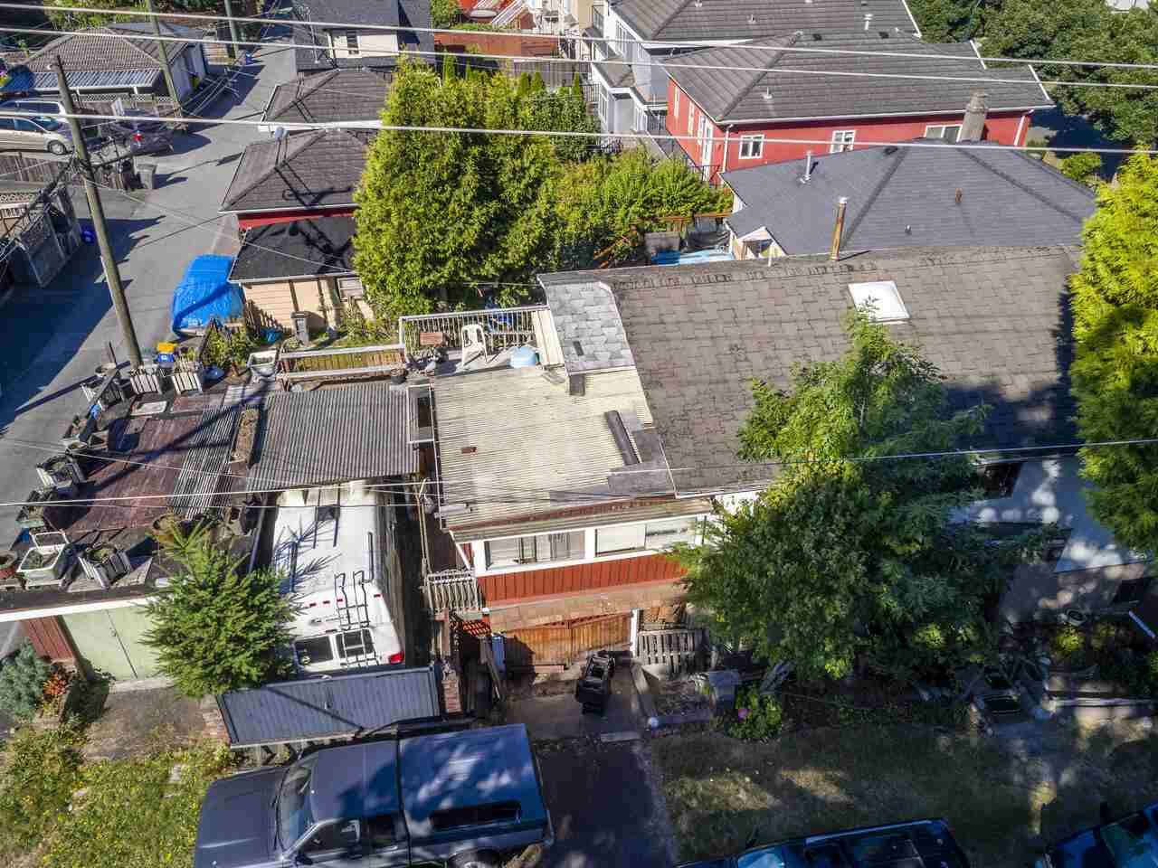 """Photo 9: Photos: 2796 E 4TH Avenue in Vancouver: Renfrew VE House for sale in """"Renfrew Heights"""" (Vancouver East)  : MLS®# R2496647"""