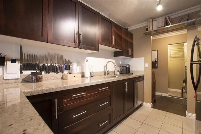 Main Photo: 217 1550 Street Street in Vancouver: Downtown VW Condo for sale (Vancouver West)  : MLS®# R2350012