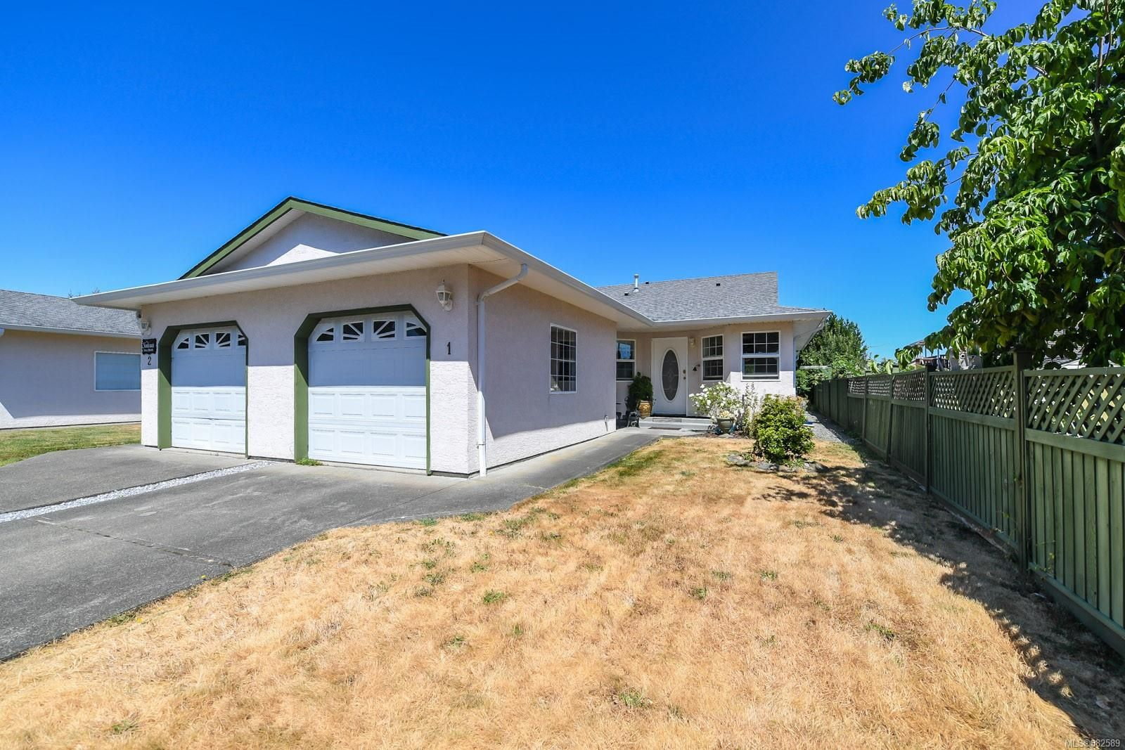 Main Photo: 1 3355 First St in : CV Cumberland Row/Townhouse for sale (Comox Valley)  : MLS®# 882589