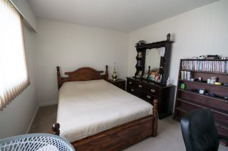 Photo 6: 5865 SPROTT Street in Burnaby: Central BN 1/2 Duplex for sale (Burnaby North)  : MLS®# R2160305