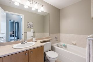 "Photo 13:  in Surrey: Guildford Condo for sale in ""CHARLTON PARK"" (North Surrey)  : MLS®# R2569438"