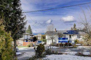 Photo 16: 702 REGAN Avenue in Coquitlam: Coquitlam West House for sale : MLS®# R2245687
